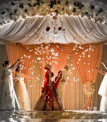 HOW TO ACE YOUR WEDDING ON SOCIAL MEDIA -By Akansha Lal, Head Strategy, VURoll